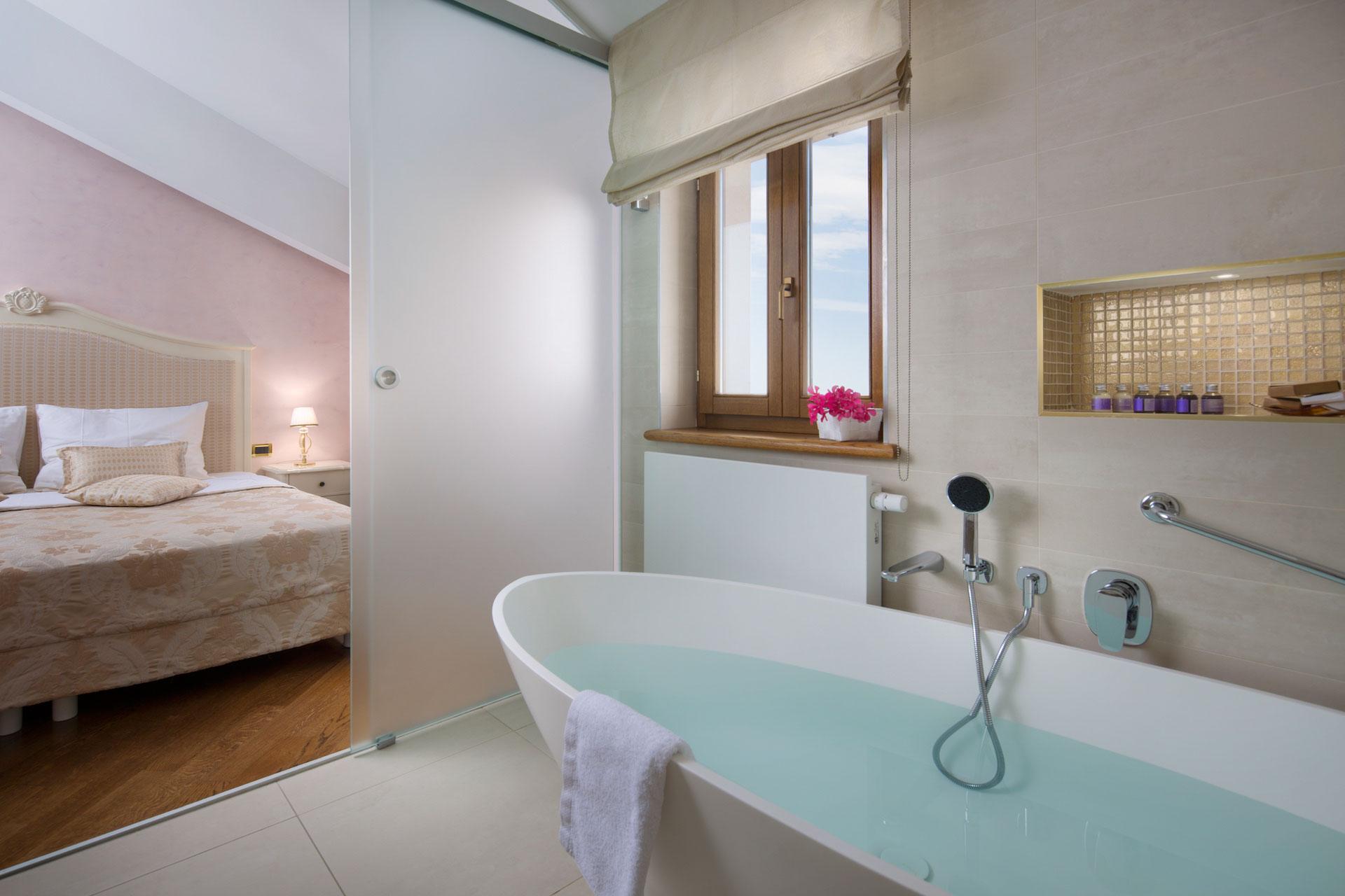 Cavalier bathroom furniture - San Rocco Hotel Suite Cavalier 0209